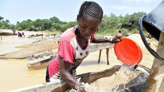 Una minera en Sierra Leona