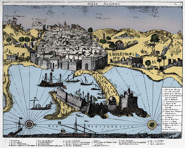 Mapa de Argel, la ciudad amurallada en la costa del Mediterráneo, África del Norte, de 1700. Uno de los hogares de los corsarios de Berbería.