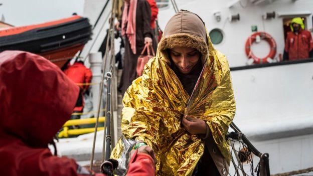 Yardım alan bir göçmen