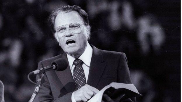 Billy Graham preaching in Paris in 1986