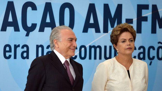Michel Temer e Dilma Rousseff participam da cerimônia de anúncio dos critérios de outorgas de radiodifusão AM para FM, no Palácio do Planalto em novembro de 2015