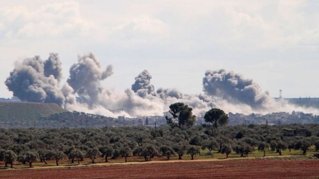 Пока турецкие и сирийские войска обмениваются воздушными и артиллерийскими ударами