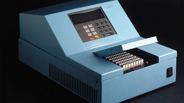Koronavirüs test kitlerinin yanı sıra bu kitleri işleyecek olan PCR cihazlarının da sayısının artması gerektiği belirtiliyor.