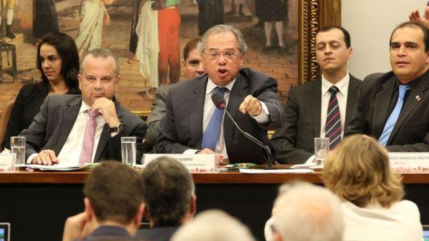 Paulo Guedes em comissão da Câmara