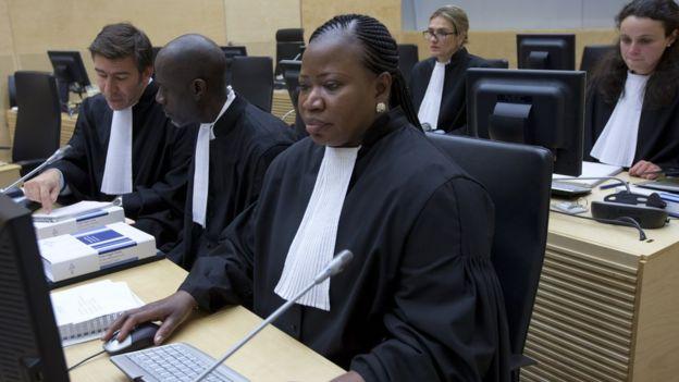 Chief Prosecutor Fatou Bensouda (R) appears during the case against  Congolese militia leader Bosco