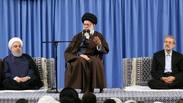 The supreme leader of Iran, Ayatollah Khamenei (center), denounces the attacks of the West against Syria