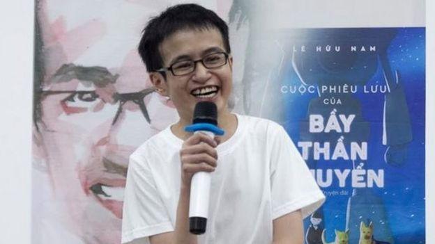 Nhà văn Lê Hữu Nam, cây viết trẻ nhiều sách được công chúng đón nhận như Con đến như một phép màu, Mật ngữ rừng xanh, Xứ mộng hồn hoa...