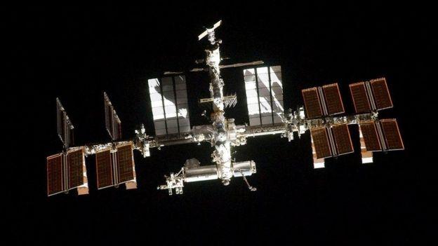 МКС, мабуть, найдорожча конструкція, побудована людиною, але і вона потребує того, щоб її пилососили