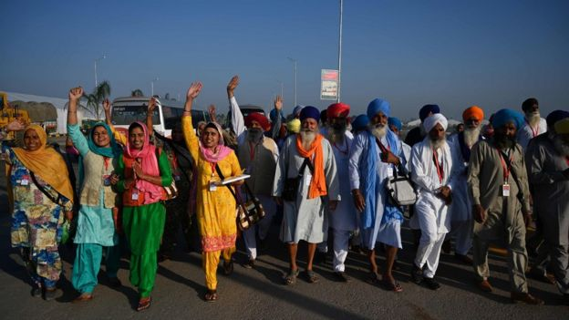 Sikh pilgrims arrive at Kartarpur