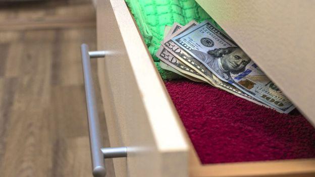 Dólares na gaveta
