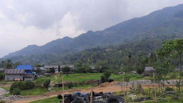मिक्लाजुङ गाउँ