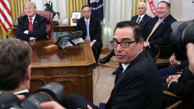 美国财政部长史蒂芬•姆钦(Steven Mnuchin)也有出席刘鹤与特朗普的会面。