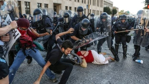 Protesters clash with police in St Louis. Photo: 15 September 2017