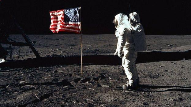 Hombre en la Luna.