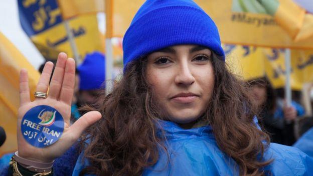 Fransada mövcud İran hökumətinə qarşı təşkil olunan etiraz aksiyası