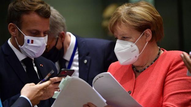 Макрон, Меркель в масках на саммите ЕС