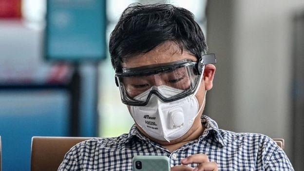 """Главным источником заражения в Китае стали """"тихие носители"""", которые не подозревали, что больны"""