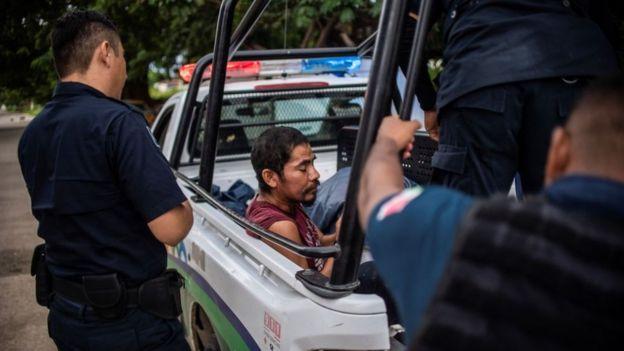 Inmigrantes detenidos en Chiapas