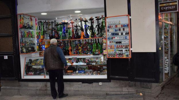 Картинки по запросу В Грузии до сих пор можно курить почти везде. Но скоро запретят