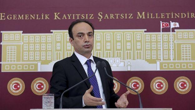 HDP Urfa Milletvekili Osman Baydemir OHAL'de memur adaylarının tamamı hakkkında yapılan güvenlik soruşturmalarının uzun sürmesi nedeniyle 5 Aralık'ta Meclis Araştırma Önergesi verdi