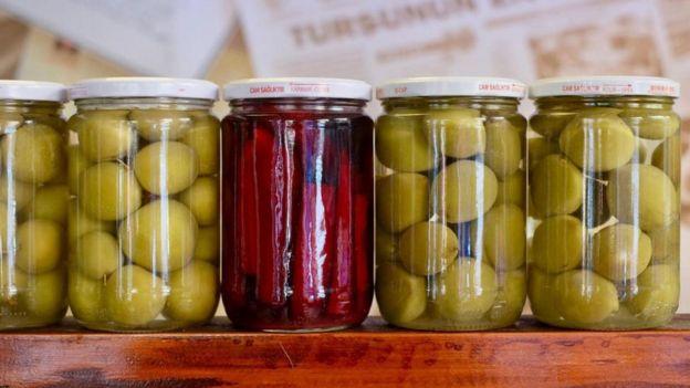 泡制的蔬菜和水果是土耳其料理不可或缺的一部分