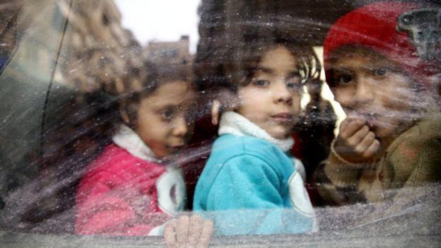 Ataque químico deja decenas de muertos — Siria