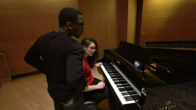 Mandy Harvey with her pianist during a rehearsal