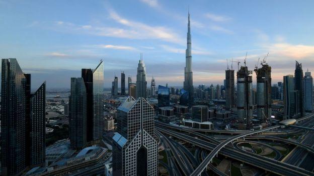 Fotografia de Dubai, com seus arranhas-céus
