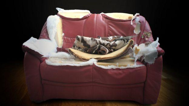 Los rellenos de algunos sofás contienen estos compuestos.