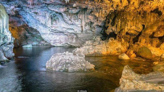 ถ้ำบนโลกหลายแห่งมีน้ำอยู่ภายใน แต่บนดาวเคราะห์ดวงอื่นจะมีน้ำอยู่ด้วยหรือไม่ ?