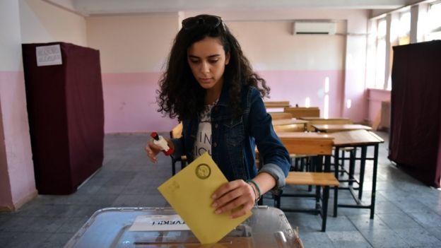 Babacan liderliğindeki parti genç seçmenleri hedefliyor