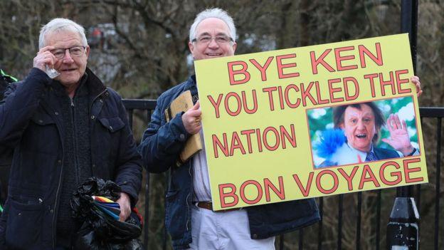 Ken Dodd fans with sign