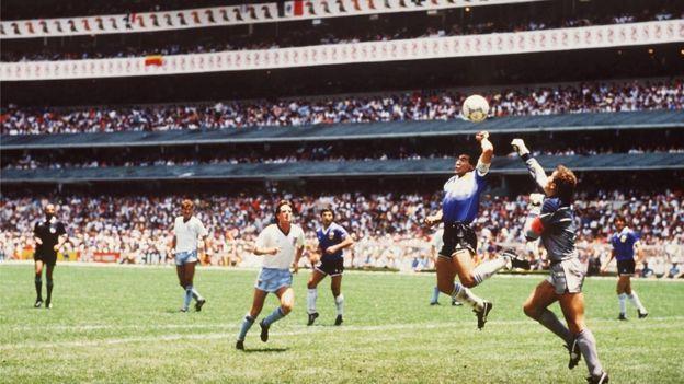 La mano de Maradona contra Inglaterra en el Mundial de México 1986.