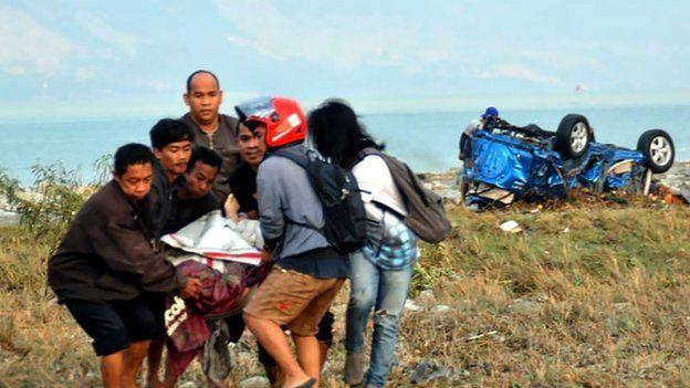 صدها نفر در زلزله و سونامی اندونزی کشته شدند