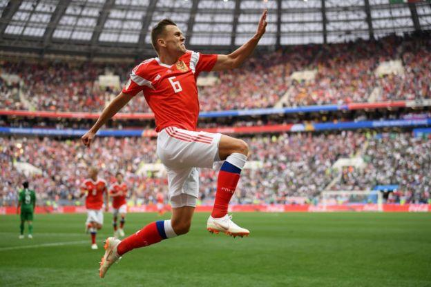 Denis Cheryshev, que acababa de entrar en sustitución de Alan Dzagoev, anotó el segundo gol para Rusia.