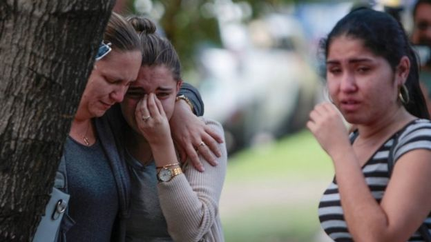 Relatives of victims of the Boeing 737 plane that crashed yesterday react as they leave the Legal Medical Institute in Havana, Cuba, 19 May 2018.