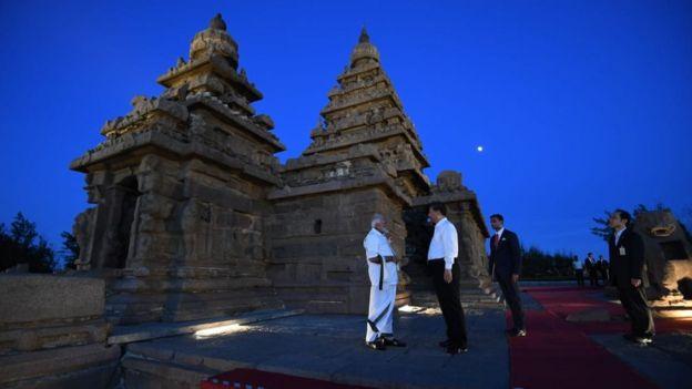 கடற்கரை கோயிலில் மோதி - ஜின்பிங்