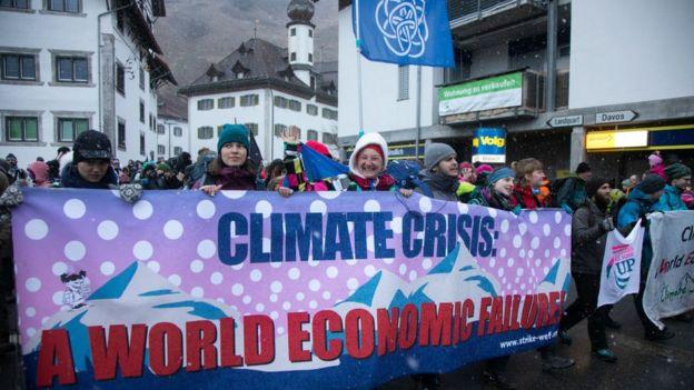 Protestas contra el cambio climático en Davos.