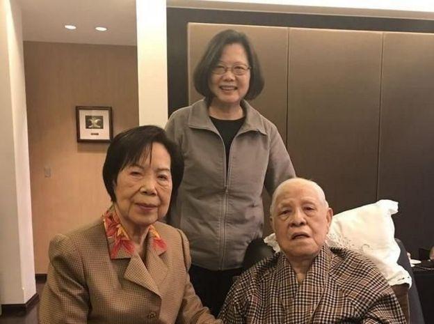 """李登辉去世:台湾""""民主先生""""曾因""""主权论""""引发两岸危机"""