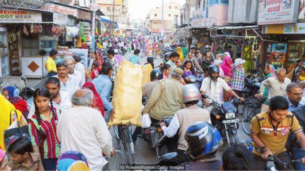 شارع مزدحم في الهند