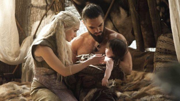 Daenerys y Khal Drogo.