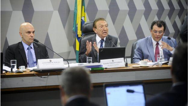Alexandre de Moraes em sabatina no Senado ao lado do senador Edison Lobão