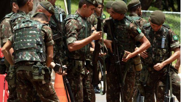 Militares se preparando para fazer segurança da posse de Bolsonaro