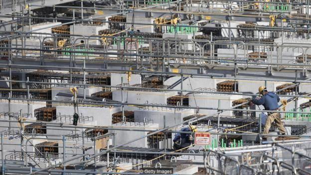 Khi Tokyo tiến tới Olympics Mùa hè 2020, sự thiếu hụt lao động trong xây dựng địa điểm thi đấu đòi hỏi sự hỗ trợ của công nhân nước ngoài