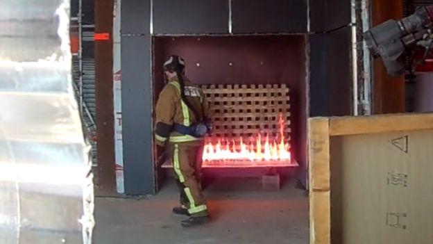 Cladding fire testing
