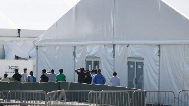 Refugio para menores inmigrantes en Homestead, Florida.