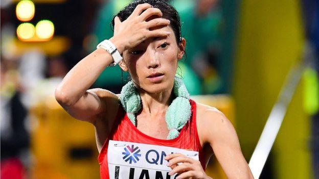 لیانگ روی از چین که قهرمان ۵۰ کیلومتر زنان شد