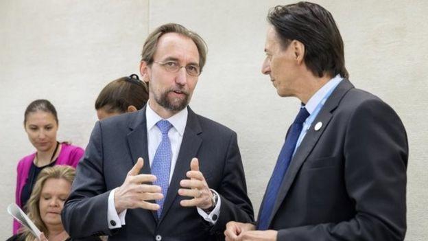 Zeid Ra'ad Al Hussein (izquierda) y Vojislav Suc (derecha)