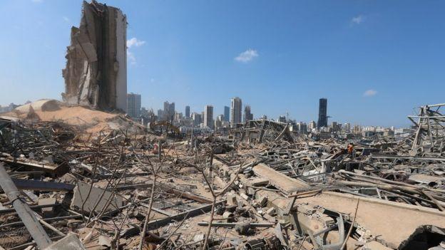 взрывом разрушенный порт бейрута