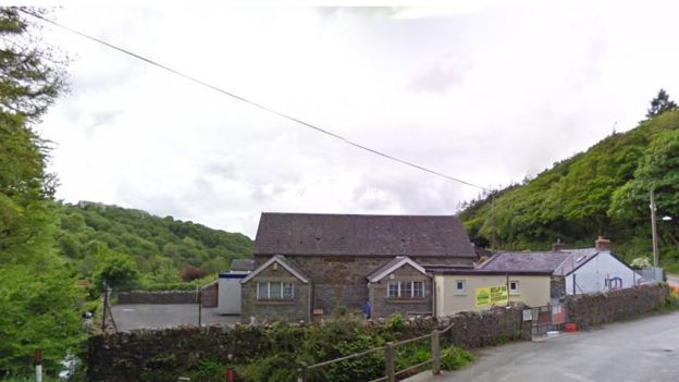 Fishguard's Ysgol Llanychllwydog is the last school in Wales without broadband